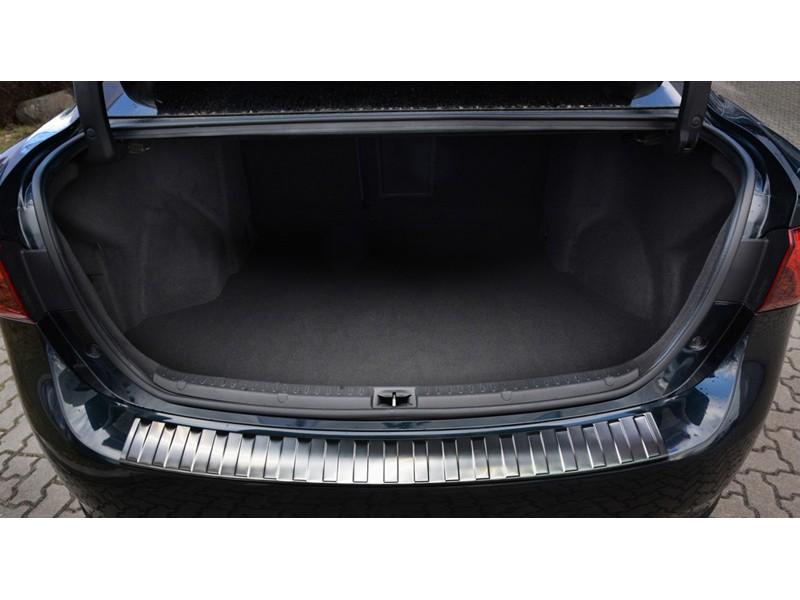 Nerezový kryt hrany kufra, Toyota Avensis III, Sedan, 2015->, po facelift